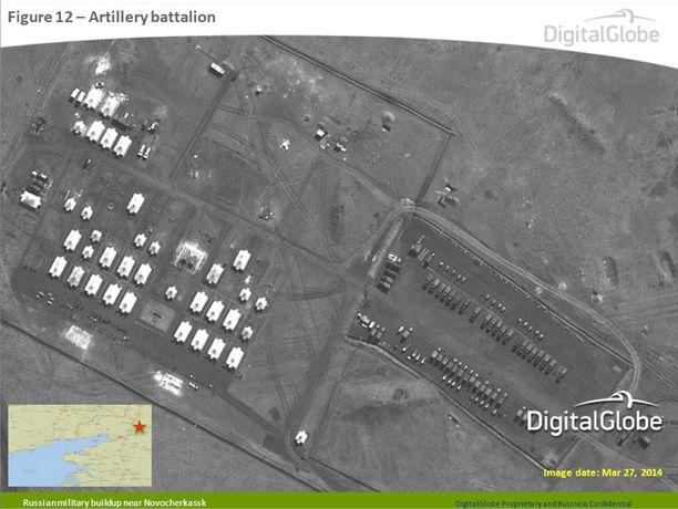 Lähellä Ukrainan rajaa otetuissa satelliittikuvissa näkyy Venäjän joukkoja.
