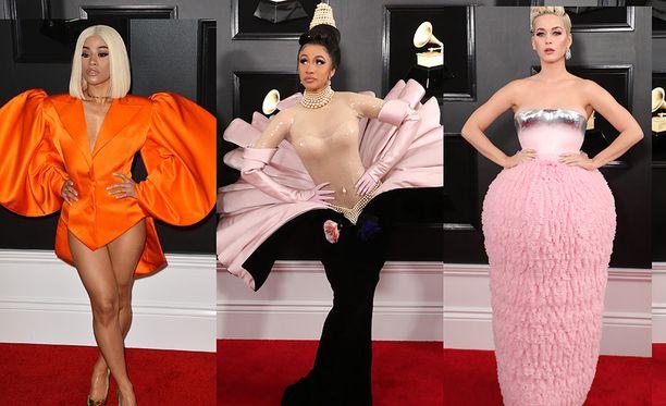 Grammy-gaalassa tähdet kilpailivat huomiosta erikoisilla asuillaan.