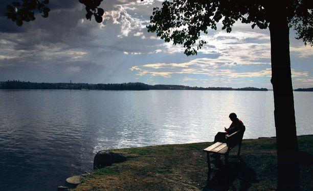 Sveitsiläinen viikkolehti Das Magazin hehkuttaa Suomelle omistamassaan teemanumerossa suomalaisten taitoa olla vaiti.