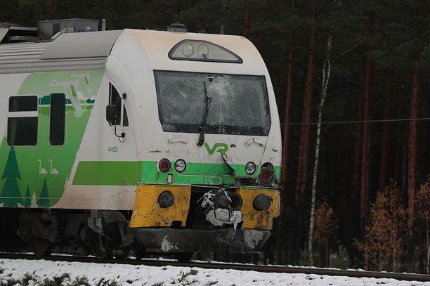 Juna tuli risteykseen Tammisaaresta päin ja oli matkalla kohti Hankoa.