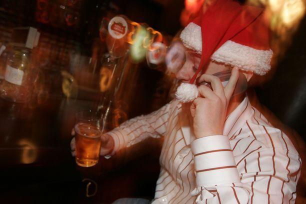 Pikkujouluissa on Suomessa tapana juoda, niin eduskunnassakin.
