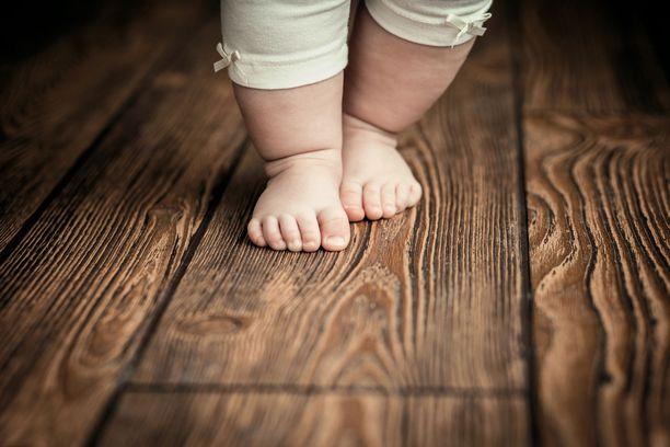 Hyvä lastenkenkä näin valitset terveelliset kengät lapselle
