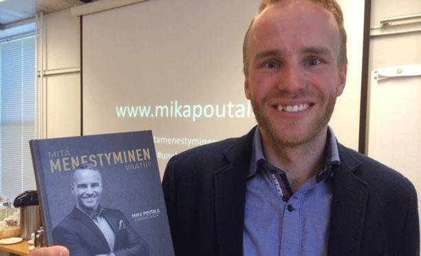 Mika Poutala esitteli tuoretta kirjaansa.