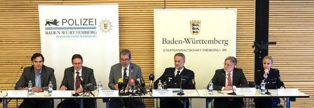Saksan rikospoliisi piti viikonloppuna tiedotustilaisuuden murhatutkinnasta ja epäillyn kiinniotosta.