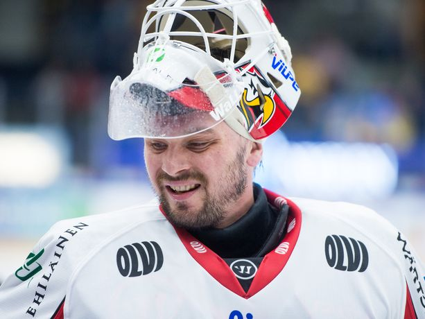 Mika Järvinen pelasi kauden avausottelunsa Vaasan Sportin maalilla perjantaina Tampereella Ilvestä vastaan. Ilves voitti 6-2.