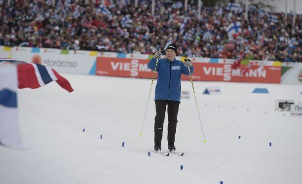 Kisastadion hurrasi suomalaiselle urheilulegendalle.