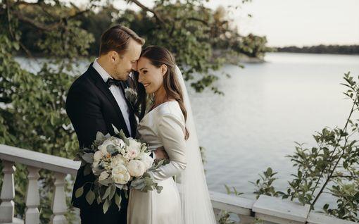 """Pääministeri Sanna Marin meni naimisiin – julkaisi herkän kuvan: """"Sinä olet minulle se oikea"""""""