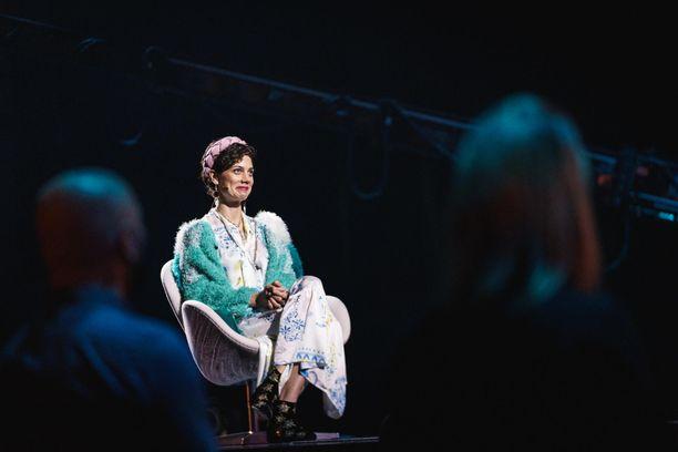 Manuela Boscon vihkisormuksesta irtosi rubiini Tuure Kilpeläisen laulun aikana.