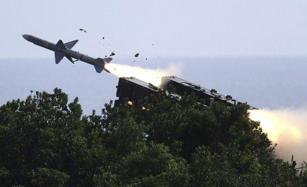 Taiwanin ampumista ohjuksista iso osa leijali ohi.