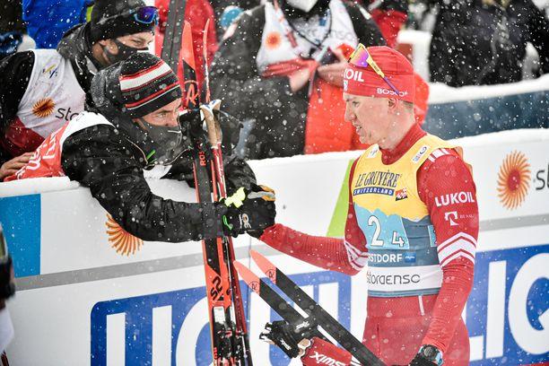 Aleksandr Bolshunov oli jälleen perjantaina mitaleilla, mutta mitalin väri ei miellyttänyt.