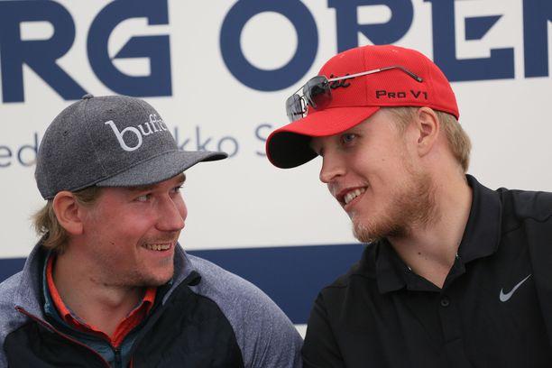Sami Vatanen ja Patrik Laine lähtevät pilke silmäkulmassa haastamaan ammattilaisia Nokialla pelattavassa NRG Openissa. Laineen tasoitus on 7,4. Vatasen lukema on hieman pienempi, 4,6.