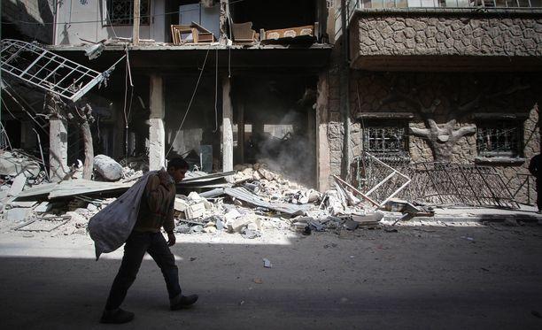 Sodan runtelema Douma kärsi lauantaina epäillystä kaasuiskusta.