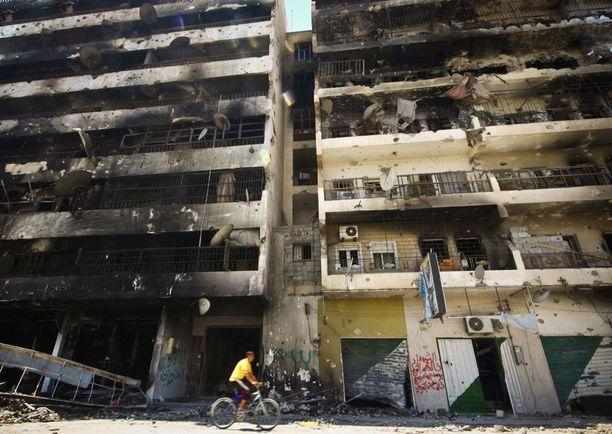 Osa Misratan kaupungista kärsi taisteluista pahoin. Kuva otettu tiistaina.