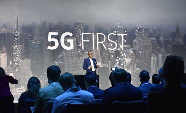 Nokian toimitusjohtaja Rajeev Suri kuvattuna Barcelonassa viime vuonna.
