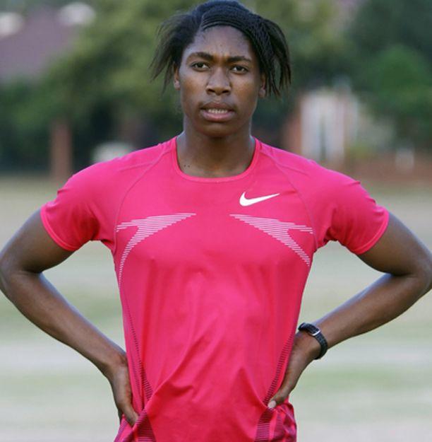 Semenyan voitti MM-kisoissa naisten 800 metrin maailmanmestaruuden.
