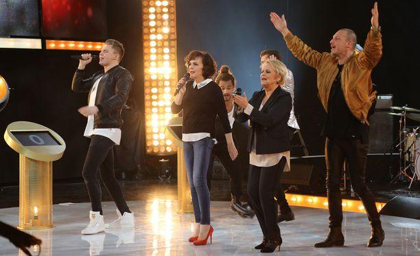 Elias Kaskinen, Pete Parkkonen, Paula Koivuniemi ja Katri Helena ovat ruutuun palaavaan Bumtsibumin ensimmäisen jakson artistivieraina.