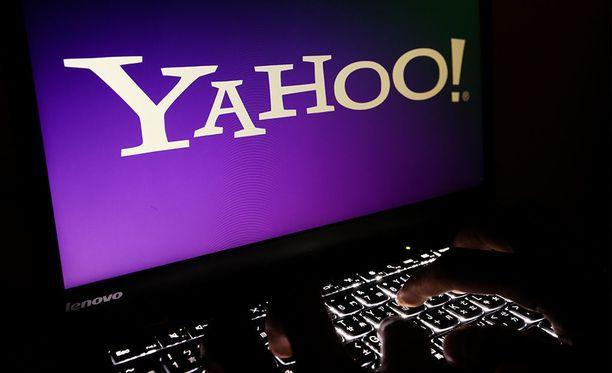 Yahoo seuraa sähköposteja kohdentaakseen mainoksia.