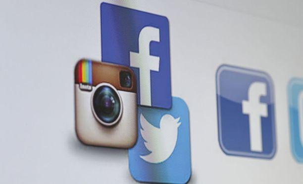 New York Timesin mukaan feikkiseuraajia on myyty useilla sosiaalisen median alustoilla.