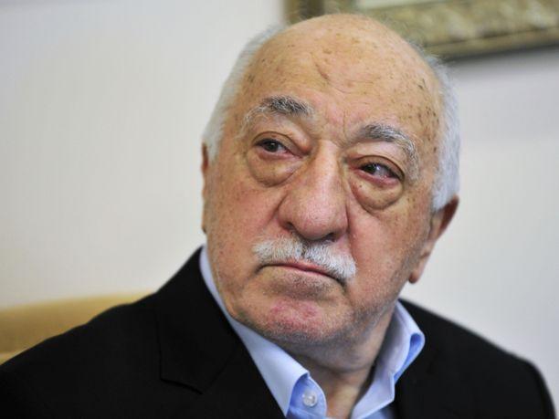 Yhdysvaltain ulkoministeriö arvioi mahdollisuuksia luovuttaa turkkilainen toisinajattelija, imaami Fethullah Gülen Turkkiin.