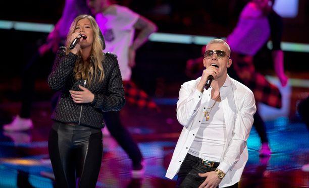 Emma Schitt avasi Voice of Finlandin finaalin Elastisen kanssa vahvalla tulkinnalla Eminemin ja Rihannan kappaleesta Love the Way You Lie.