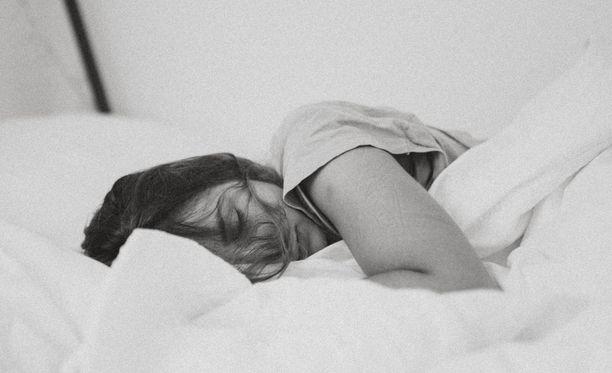 Uni ei tule väkisin, vaan rauhoittumalla.