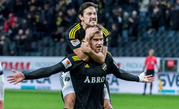 AIK:n Eero Markkasen maalia Häckeniä vastaan kelpasi juhlia.