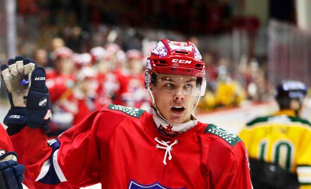 Miro Heiskanen ei antanut NHL-toimittajien armadan yllättää.