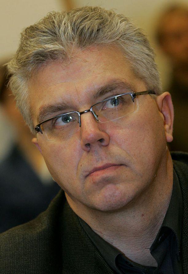 Jari Piirainen vaatii, että Kaisa Variksen tapaus tutkitaan huolellisesti.