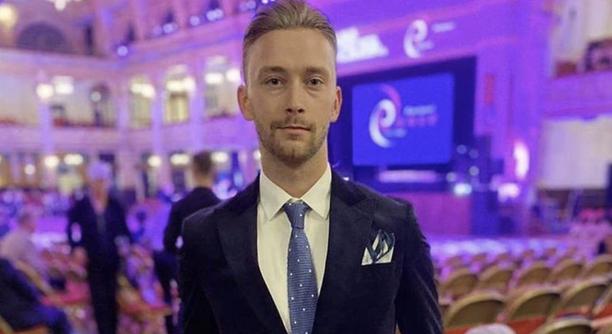 Emil Hallbergin uusi hiustyyli on poikinut hänelle palautetta sosiaalisen median kautta.