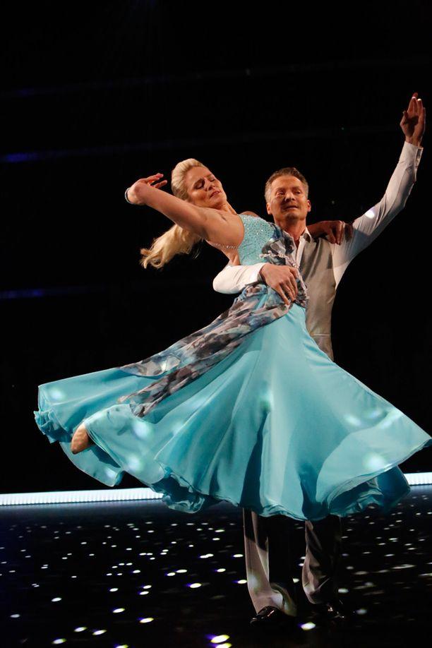 Laura ja Mikko ovat olleet alusta saakka tanssikilpailun ennakkosuosikkeja.