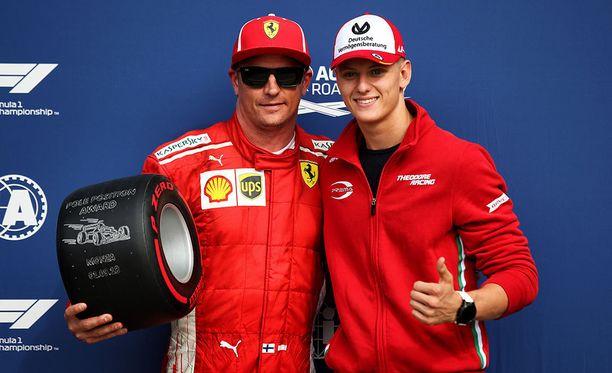 Kimi Räikkönen ja Mick Schumacher hymyilivät Italian GP:n aika-ajon jälkeen.