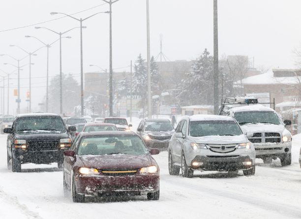Lumi säilyy maassa ainakin hetken etelässäkin. Keskiviikoksi luvataan pakkasta.