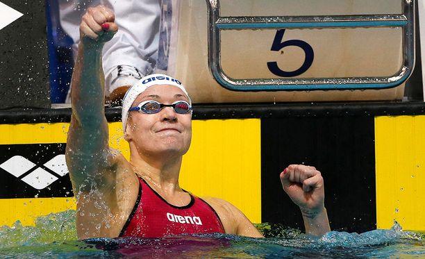 Jenna Laukkanen on erikoistunut 50 ja 100 metrin rintauintiin.