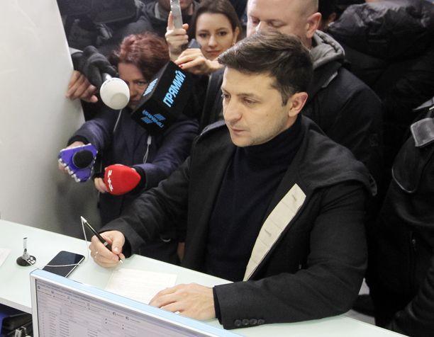 Volodymyr Zelenskiy ei vaivautunut viime sunnuntaina vaaliväittelyyn.