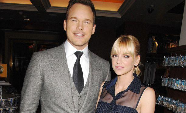 Chris Pratt ja Anna Faris kohtasivat vuonna 2007 yhteisen Take Me Home Tonight -elokuvan kuvauksissa.