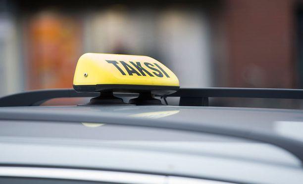 Uuden Whim-palvelun kautta voi tilata taksin kiinteään 10 euron hintaan alle viiden kilometrin matkalle.