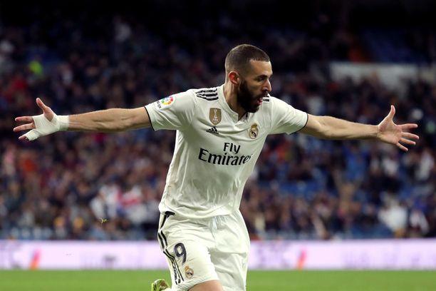 Karim Benzema oli pelipäällä Real Madridin voittoessa Eibarin 2-1.