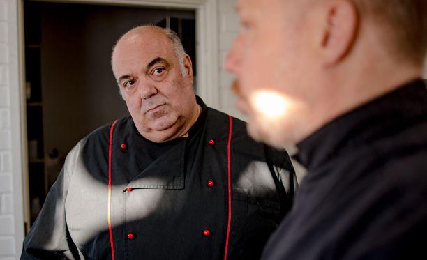 Dimitrios on ajautunut umpikujaan ravintolansa kanssa. Jyrki Sukula rientää ohjelmansa myötä miehen avuksi.