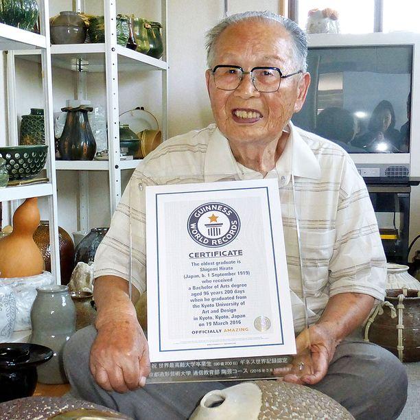 Seuraavaksi 96-vuotiaan Shigemi Hiratan tähtäimessä on tohtorin paperit.