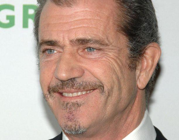 Mel Gibson toimii elokuvan ohjaajana.