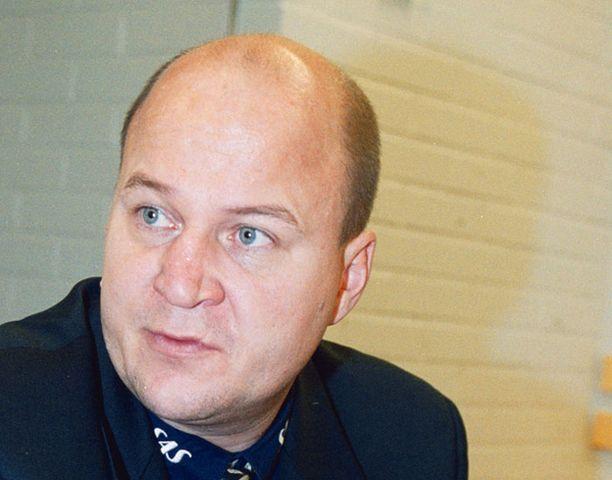 Jukka Holtari vastaa Bluesin pelaajahankinnoista.