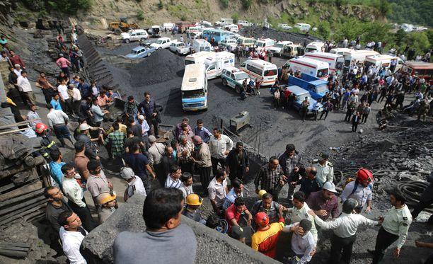 Keskiviikkona tapahtunut räjähdys täytti myrkyllisillä kaasuilla suuren osan kaivoksesta maan pohjoisosassa.