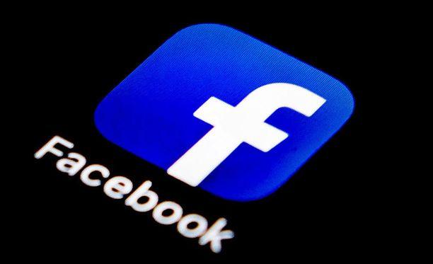 Tietoturvajohtaja Alex Stamos on Facebookin ensimmäinen korkean tason työntekijä, joka jättää yhtiön sen jälkeen, kun yhtiö on joutunut voimakkaan arvostelun kohteeksi.