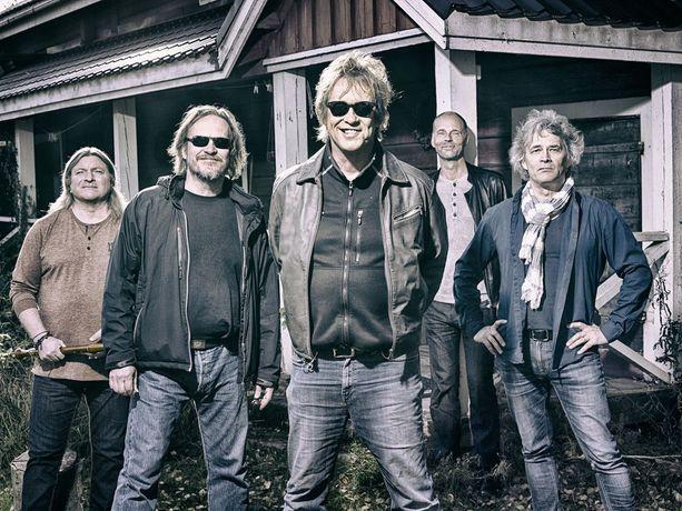 Eppu Normaali on yksi Suomen suurimmista ja tunnetuimmista yhtyeistä.