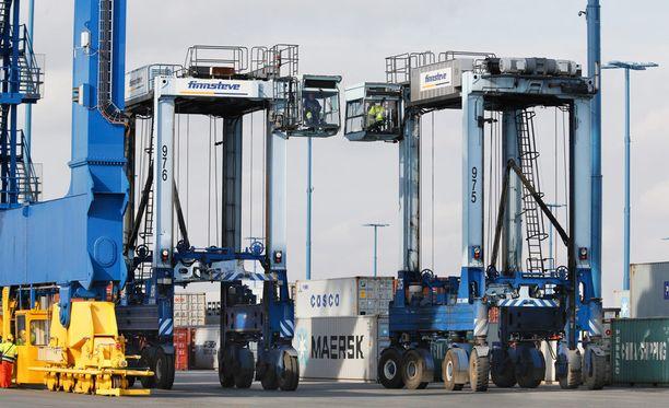 Venäjän viennin tyrehtyminen kurittaa nyt Suomen taloutta.