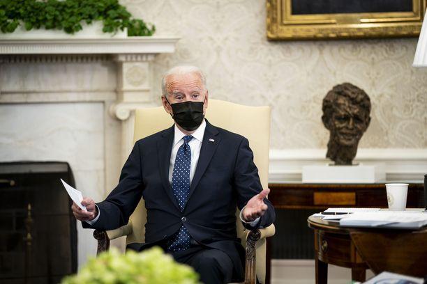 USA:n presidentti on ottanut kantaa Derek Chauvinin tuomioon. Kuva Valkoisesta talosta aiemmin päivällä 20. huhtikuuta.