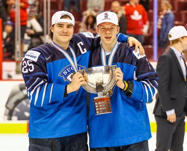 Kapteeni Aarne Talvitie ja puolustaja Toni Utunen pelasivat vahvan MM-turnauksen Kanadassa.
