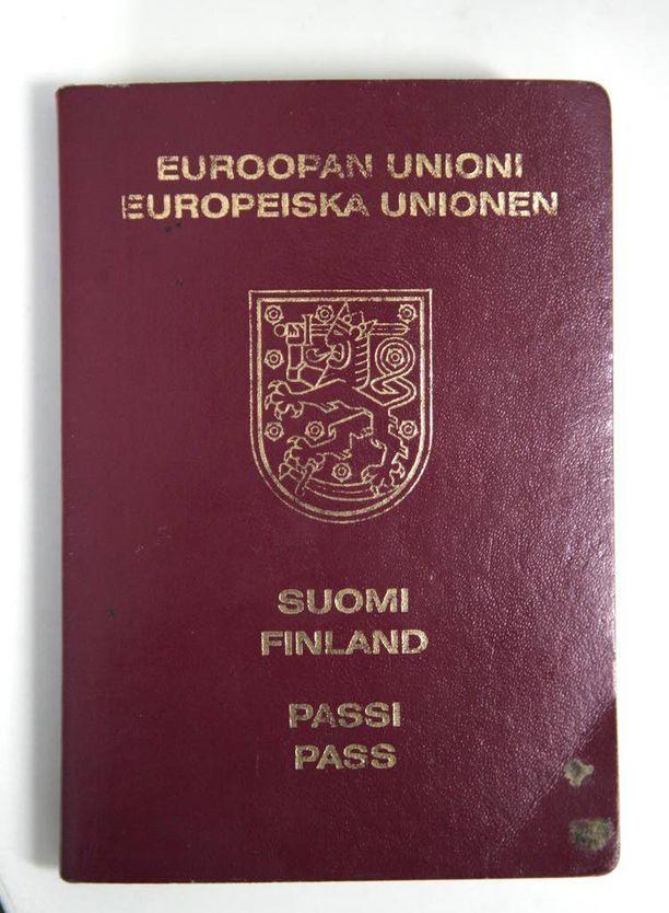 Suomen passin ulkonäkö muuttuu pian. Uudistukset liittyvät muun muassa turvatekijöiden parantamiseen.