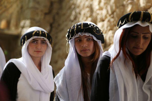 Jopa 6400 jesidinaista ja -tyttöä joutui Isisin seksiorjaksi.