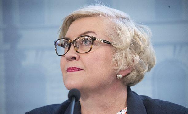 Kunta- ja uudistusministeri Anu Vehviläinen myöntää, että selvitys maakuntaverotuksesta ei ole edennyt.